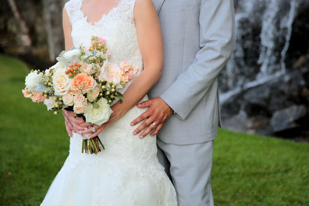 Peaches & Cream Wedding Flowers