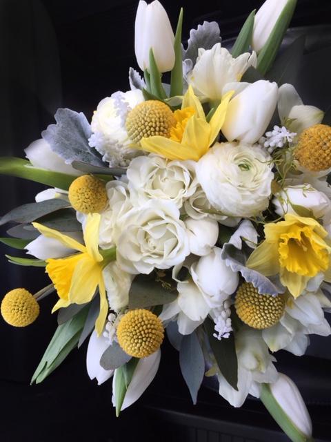Daffodills & Roses Bouquet