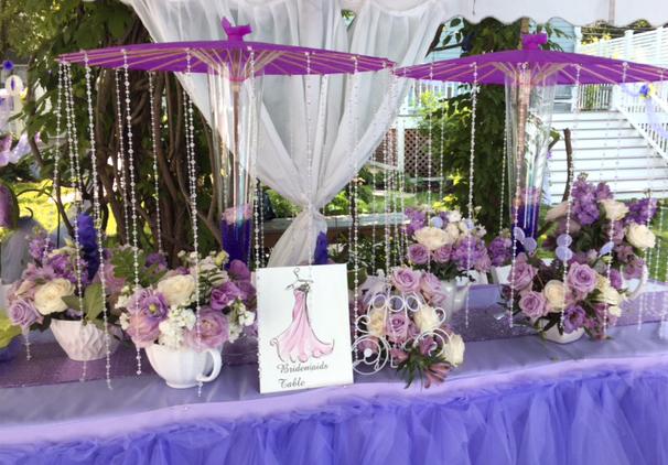 Lilac Umbrella Bridesmaid Table