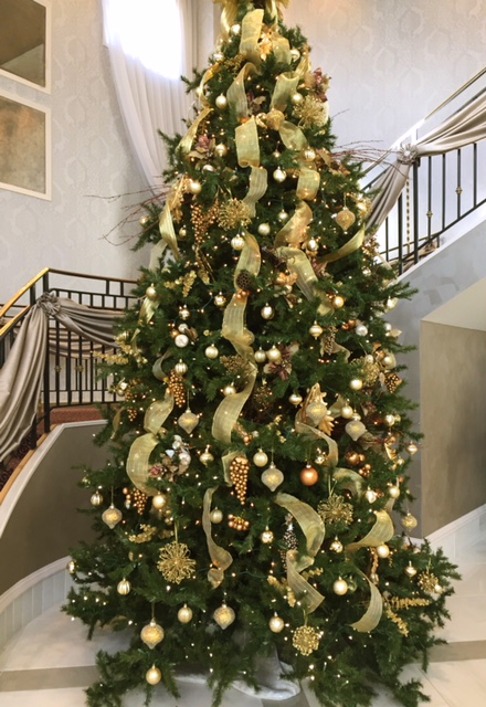 Christmas Tree Decorations Ribbons & Gold