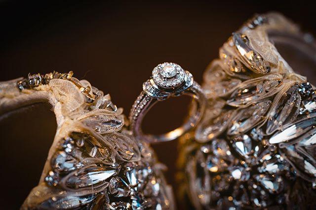 @dreamvillestudios // Ladys + Leandro #wedding #gettingready #details #weddingphotographer