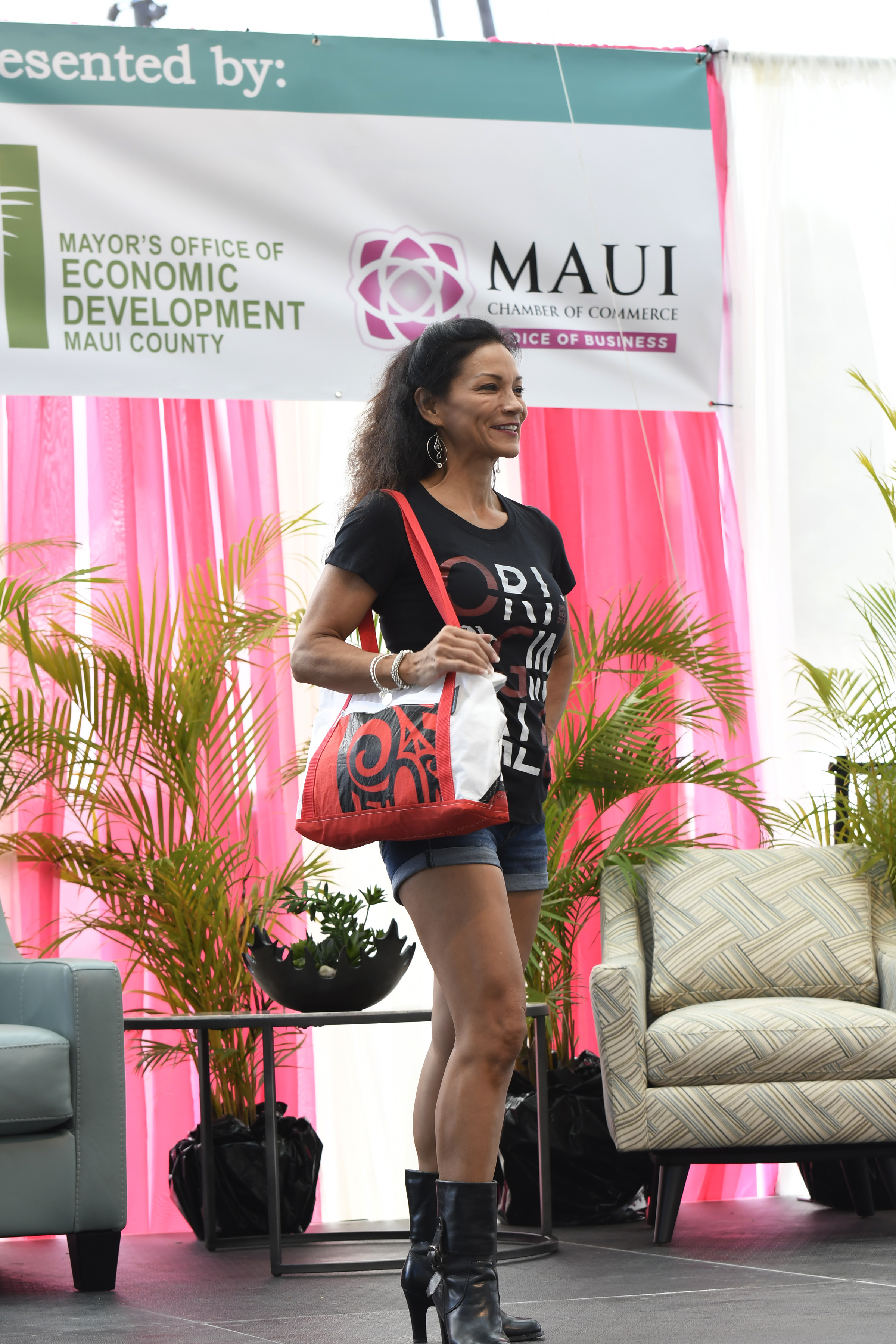 MIMCF Fashion Show in Hawaiian Airlines Presentation Stage 1.jpg