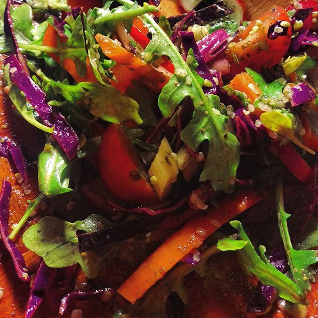 Who else loves a fantastic salad?! Colors galore + our Green Sensational Seasonings seal the deliciousness with a kiss 💚✨🌿🍅🎉 #partyinmymouth  #vegan #raw #veganfoodshare #wholefoods #delicious #yum #salads #vegetables #veggies #hempseeds #naturalbeauty #naturallife #eatwell #peace #loveyourself #loveyourtools #digestion #immunity #nutrition #humanelywild
