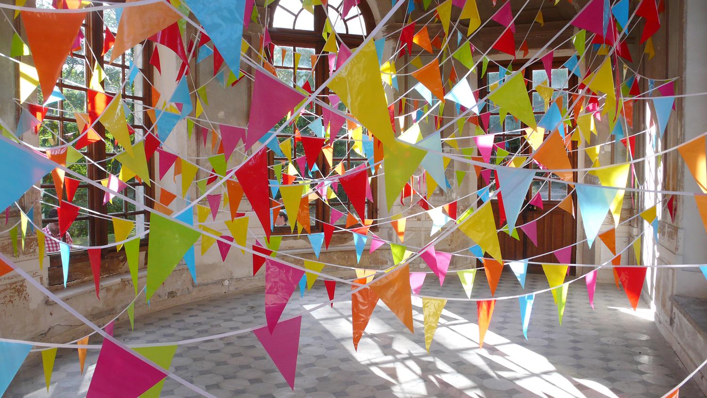 some echoes, some shadows, 2011 textiles, plastic, dimensions variable  En Piste!, Centre d'art contemporain, Chamarande