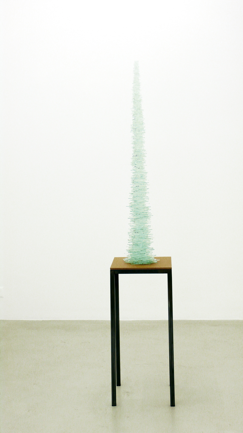 crystal silence l-lV   , 2011, wire, beads, dimensions variable  ; dust l  , 2011, pencil on paper, 110 x 86cm  ; rift  , 2011, plastic, textiles, dimensions variable    hyle, Lullin+Ferrari, Zürich