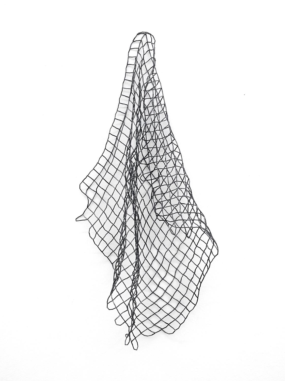 Waveland/ ruitenet , 2018, bugle beads, nylon, 75 x 33 x 15cm