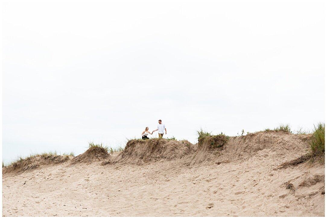Kohler-Andrae State Park Engagement_0011.jpg