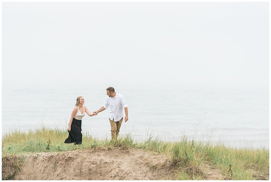 Kohler-Andrae State Park Engagement_0012.jpg