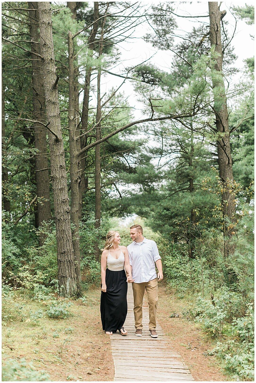 Kohler-Andrae State Park Engagement_0114.jpg