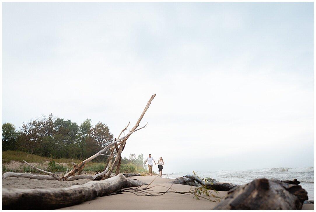 Kohler-Andrae State Park Engagement_0020.jpg