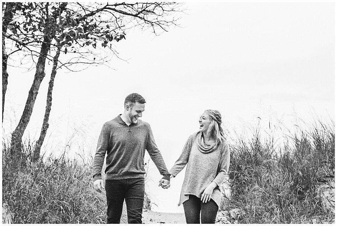 Kohler-Andrae State Park Engagement_0094.jpg