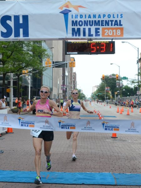 Lucie Mays-Sulewski & Kristina Tabor speeding to the finish of the women's masters Monumental Mile.