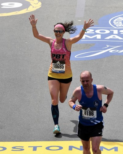 Heather O'Brien finishing in Boston looking like a million bucks.