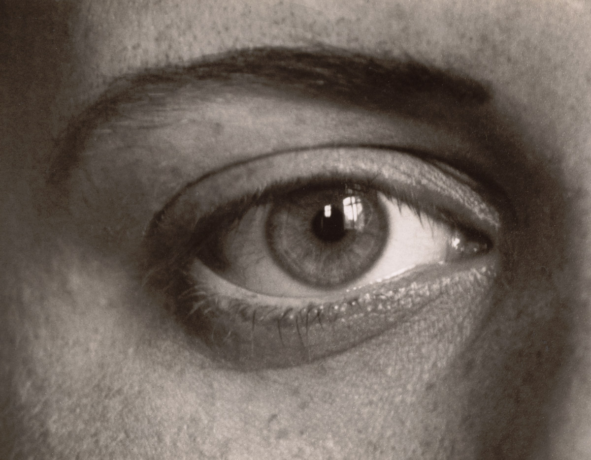 August Sander. 'Das rechte Auge meiner Tochter Sigrid (The Right Eye of My Daughter Sigrid)' 1928 moma.jpg