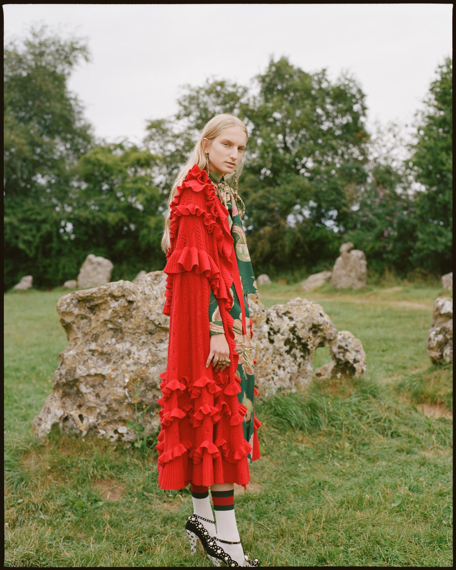amber_mahoney_lula_japan_english_countryside_fashion_editorial_film_002.jpg