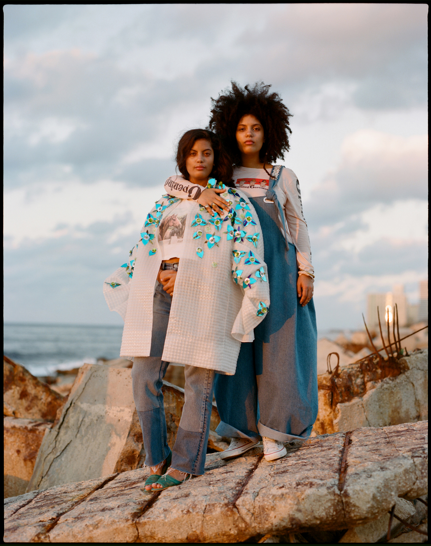 amber_mahoney_ibeyi_fader_magazine_cuba_film_photography_011.jpg