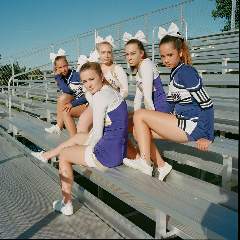 amber_mahoney_cheerleaders.jpg