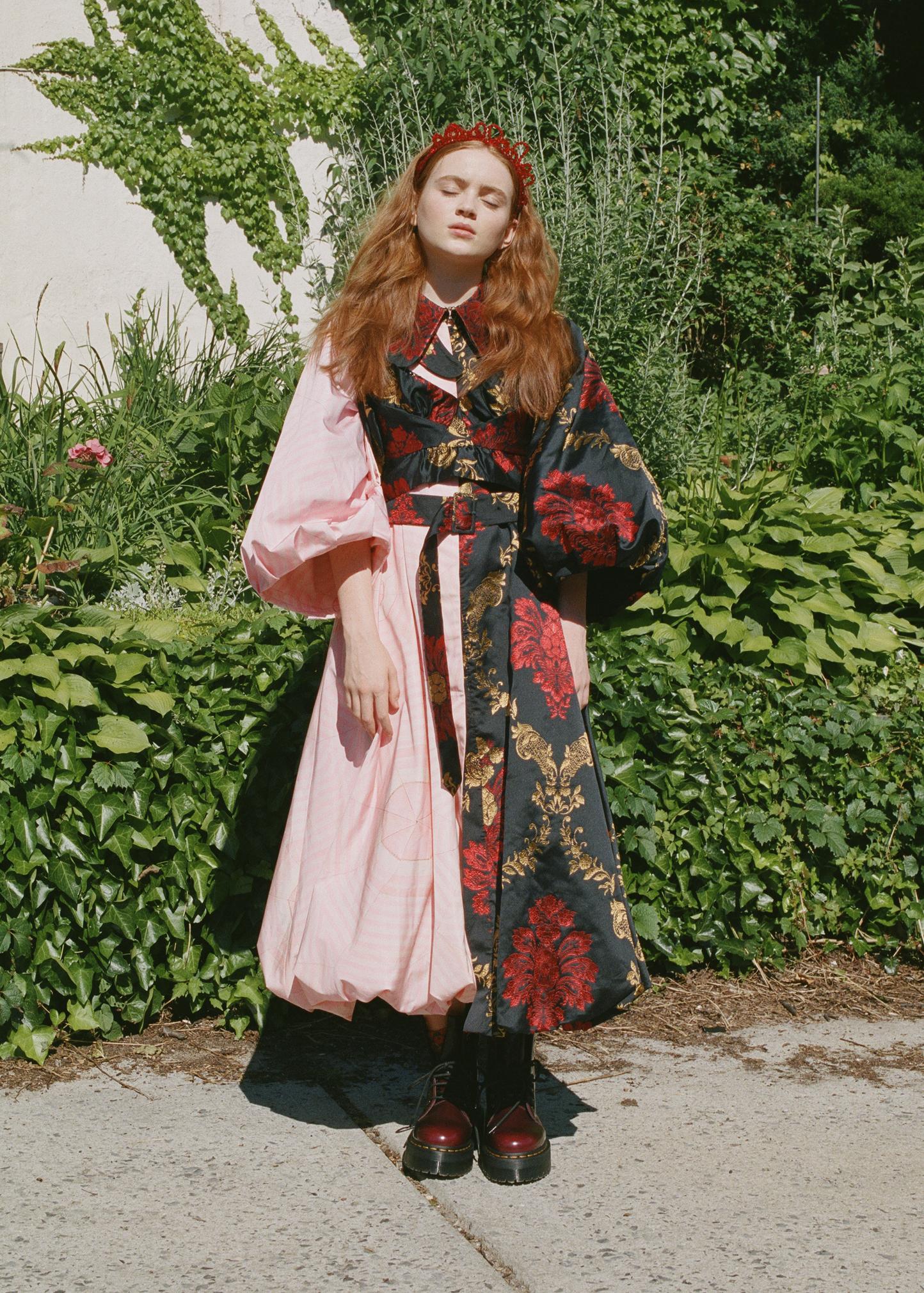 sadie_sink_amber_mahoney_who_what_wear_004.jpg