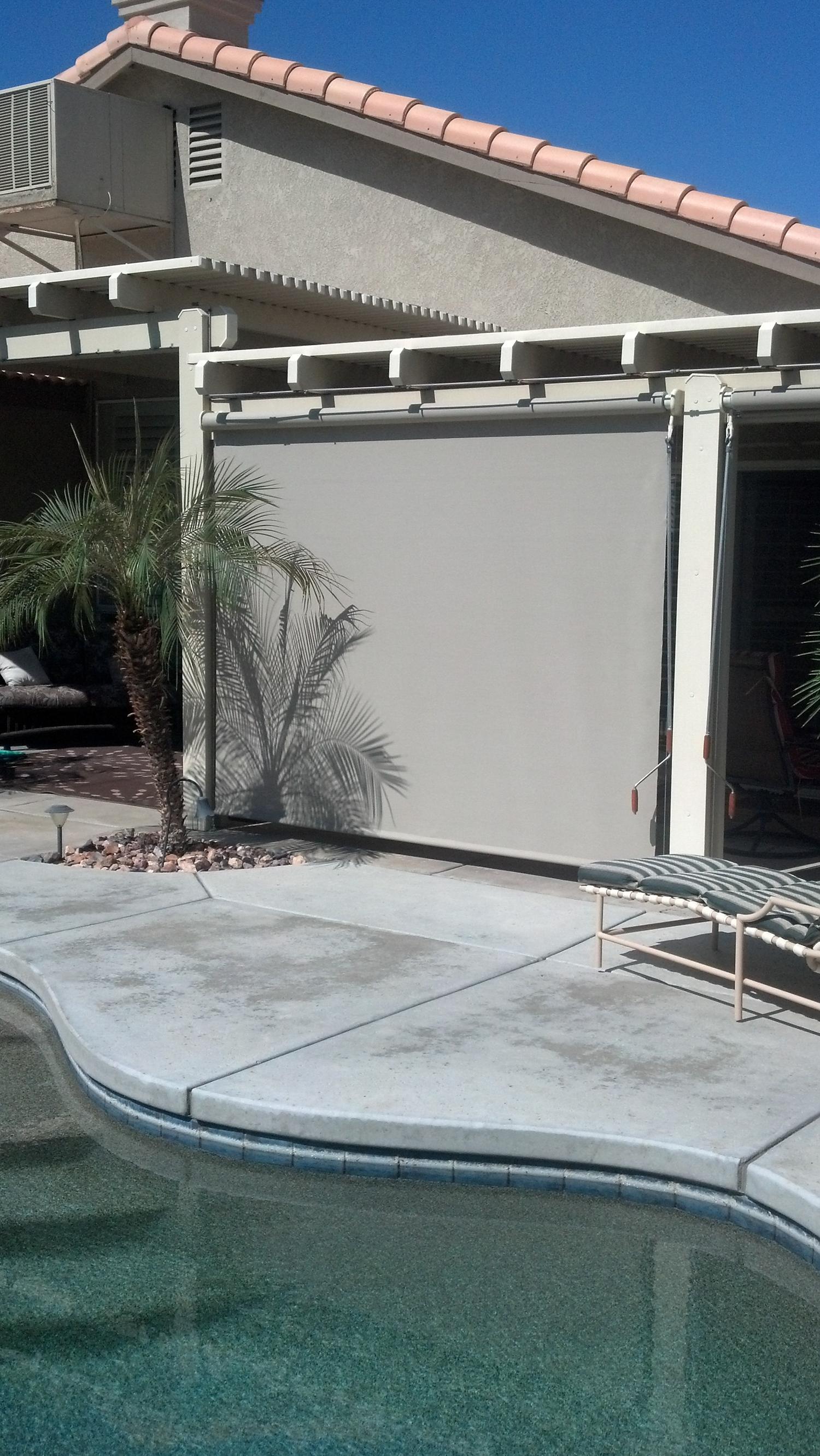 Drop Screen to Shade Outdoor Patio, Palm Desert, CA 92260