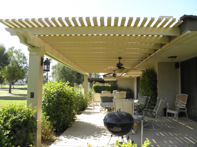 outdoorlivingroom.jpg