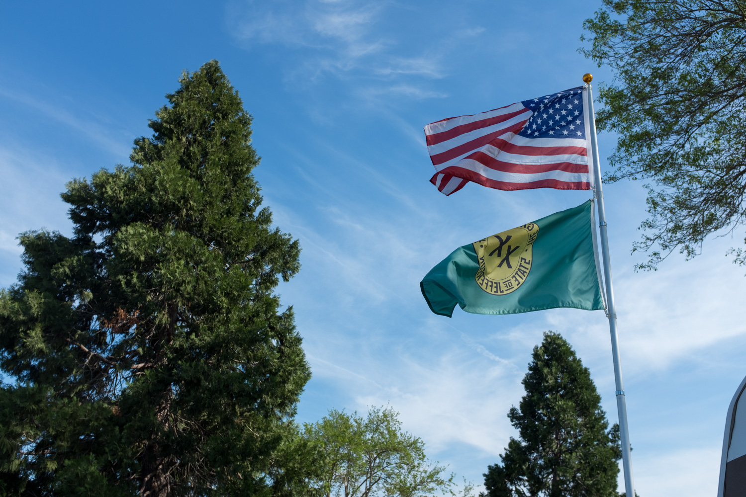 State of Jefferson Flag, Red Bluff.