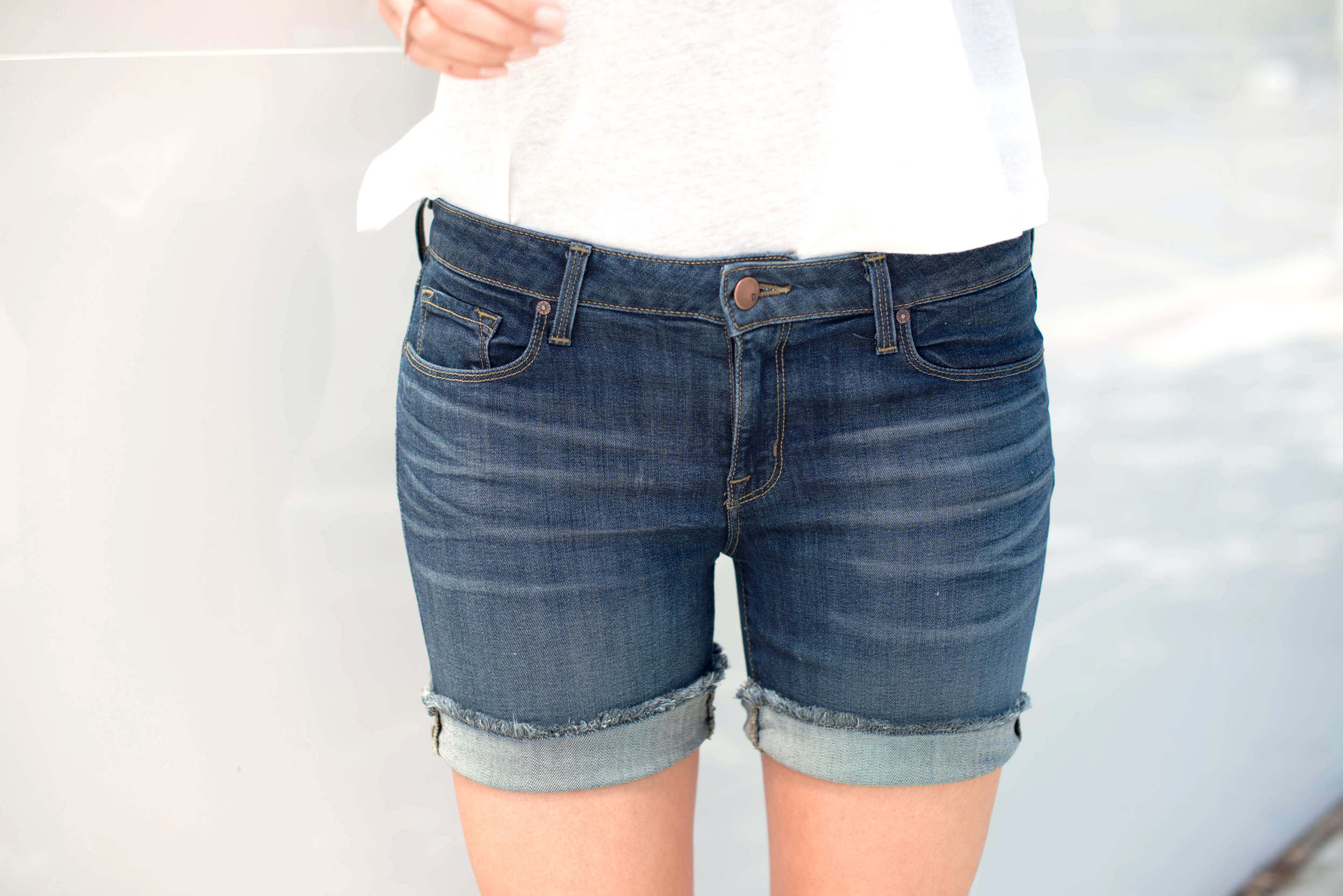 DSTLD mid rise roll-up shorts