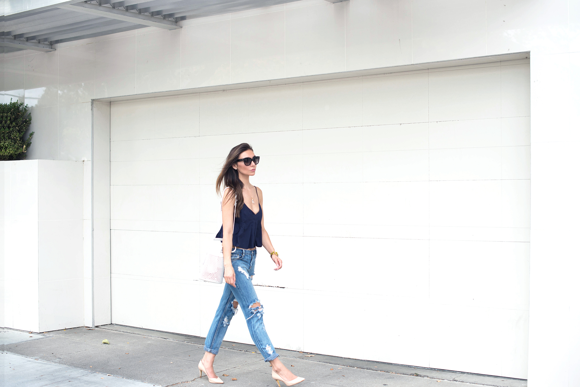 TOP.     JEANS.     SHOES.   BAG.   SUNGLASSES.   BRACELET.   NECKLACE.  ( also similar here)