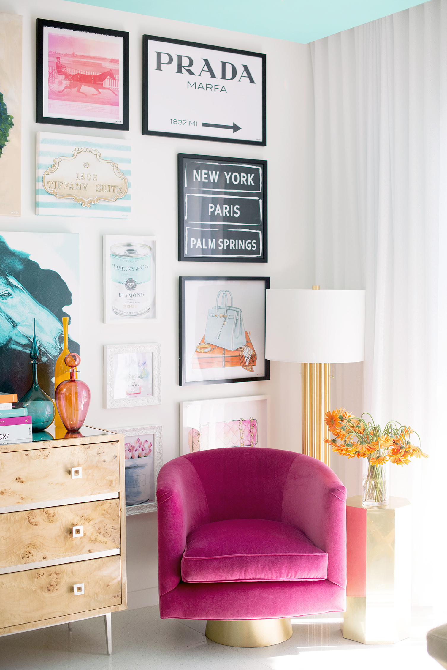 Teen Bedroom by  Carson Kressley