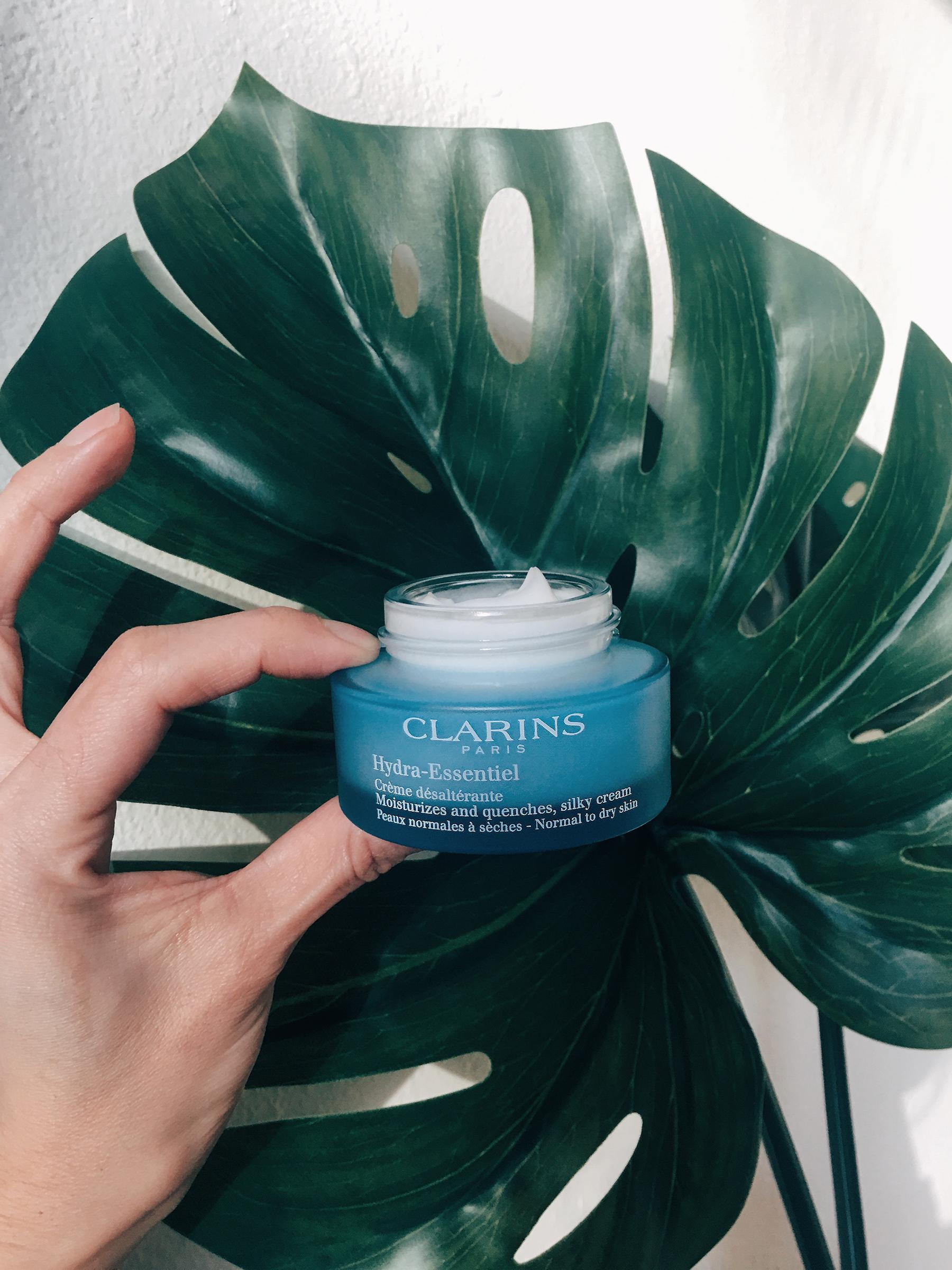 /  Clarins Hydra-Essentiel Silky Cream Moisturizer  /