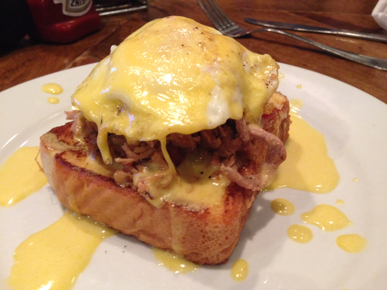 BRUNCH_Eggs Benedict.jpg
