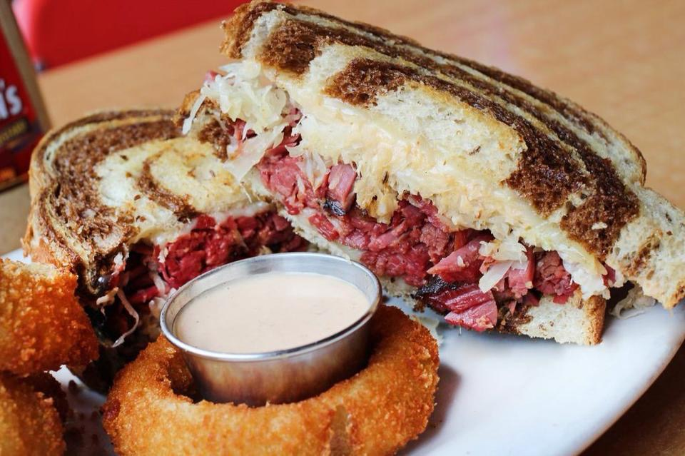 reuben and onion ring.JPG