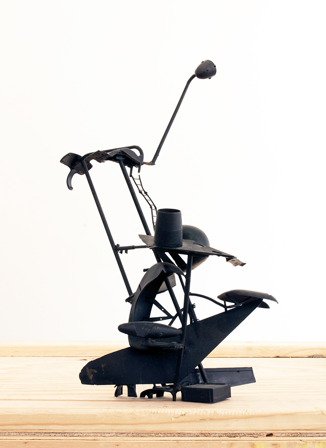 Stealth Anticlimax , 2010, bronze, 50 x 40 x 37.5 cm, scale 1:100