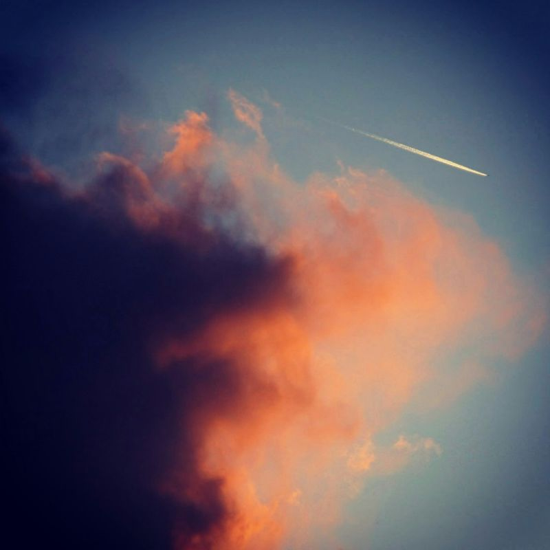Wow, what a beautiful photo with a plane flying by. Or is it a falling star.... ;)