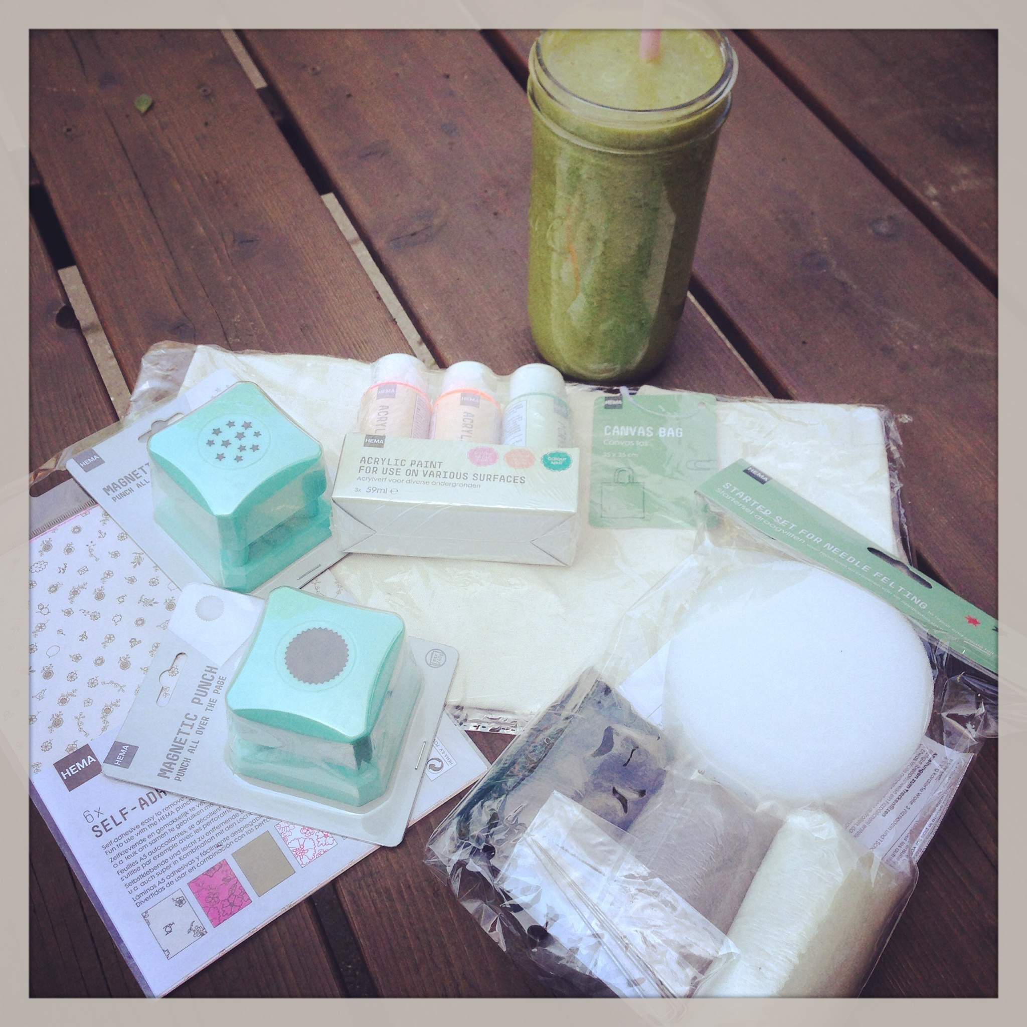 Astrid's mini haul from the HEMA. Ready to start crafting!