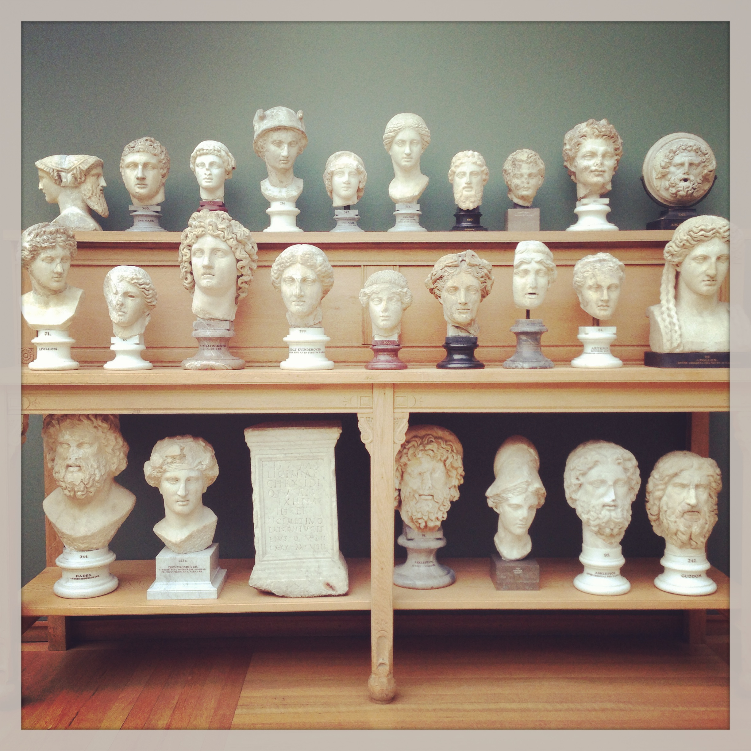 A great image, with al these heads, just standing there :)