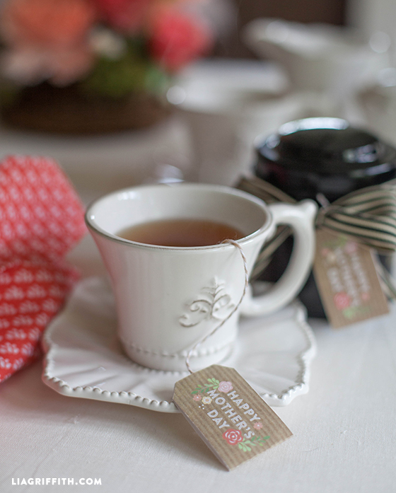 Bron:http://liagriffith.com/mothers-day-tea-tags/
