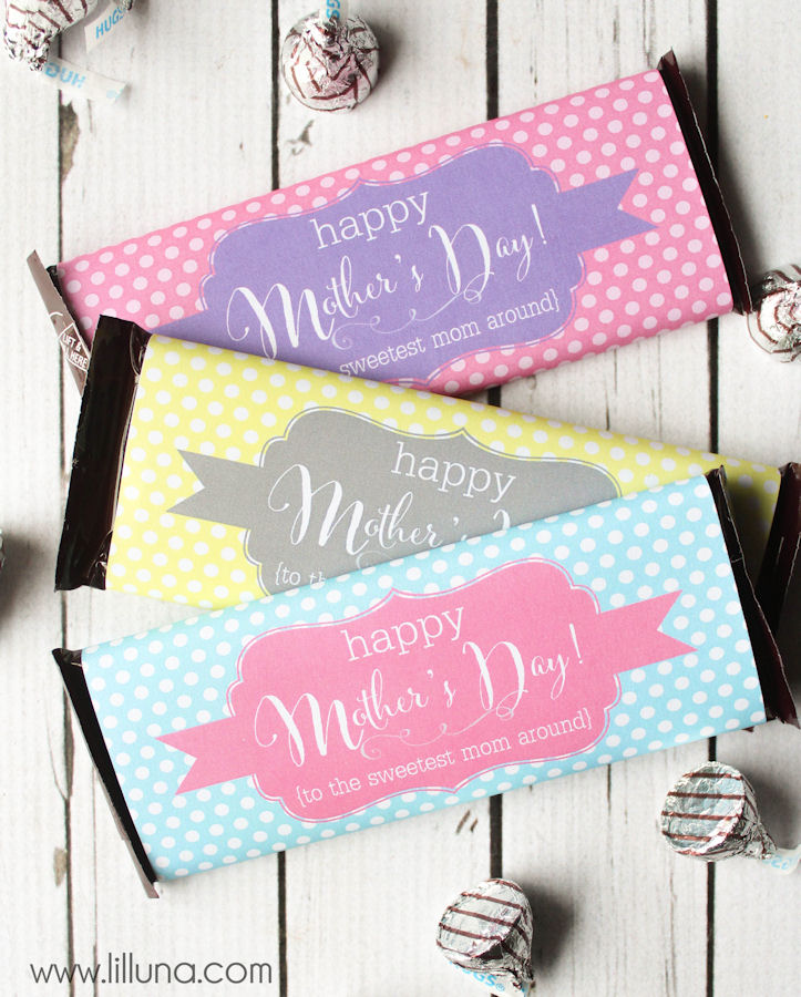 Bron:http://lilluna.com/mothers-day-candy-bar-wrappers/