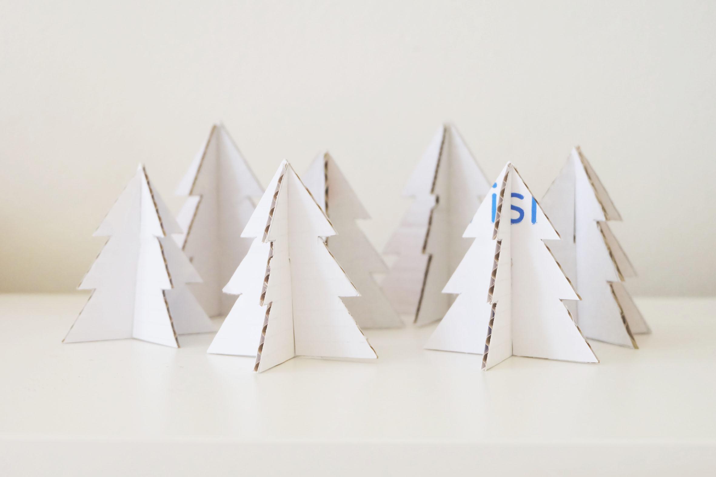 Kerstboompjes_karton op een rij.jpg