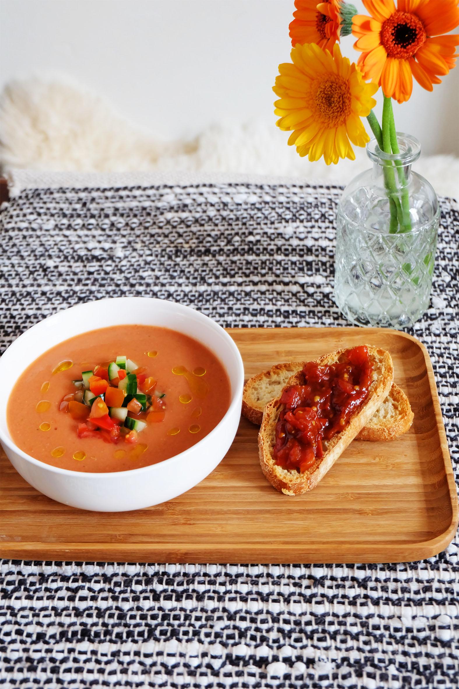gazpacho-met-bruchetta.jpg