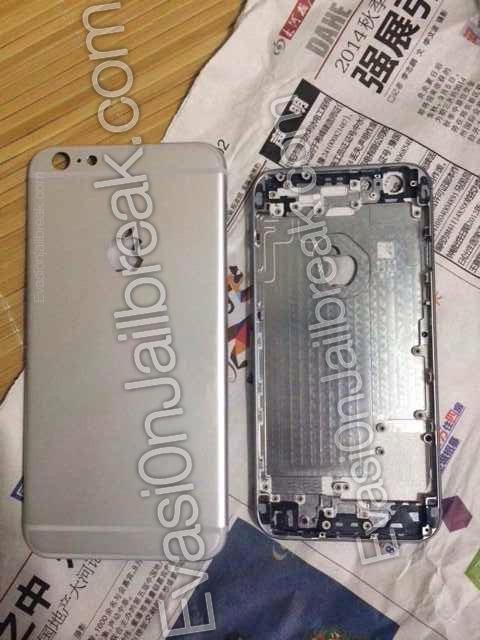 Exterior do suposto painel frontal do iPhone 6 de 5,5'' comparado com o interior do painel frontal do iPhone 6 de 4,7''