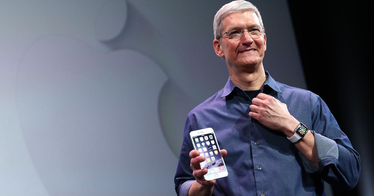 Tim Cook iPhone 6.jpg