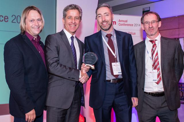 Sander Kristel receives Digital Engagement Award at Socitm's Annual Conference 2014.  Image Source: Socitm