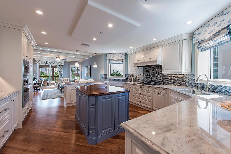 8473 Bay Colony Drive 401-large-006-10-Kitchen-1499x1000-72dpi.jpg