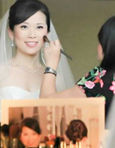 Our Hair and Make-up artists will assist you in findingthe perfect look for your special day.You can visit their salon or relax in the privacy of your lodging while theycreate your vision. Packages available for the bridal party.  By appointment only.