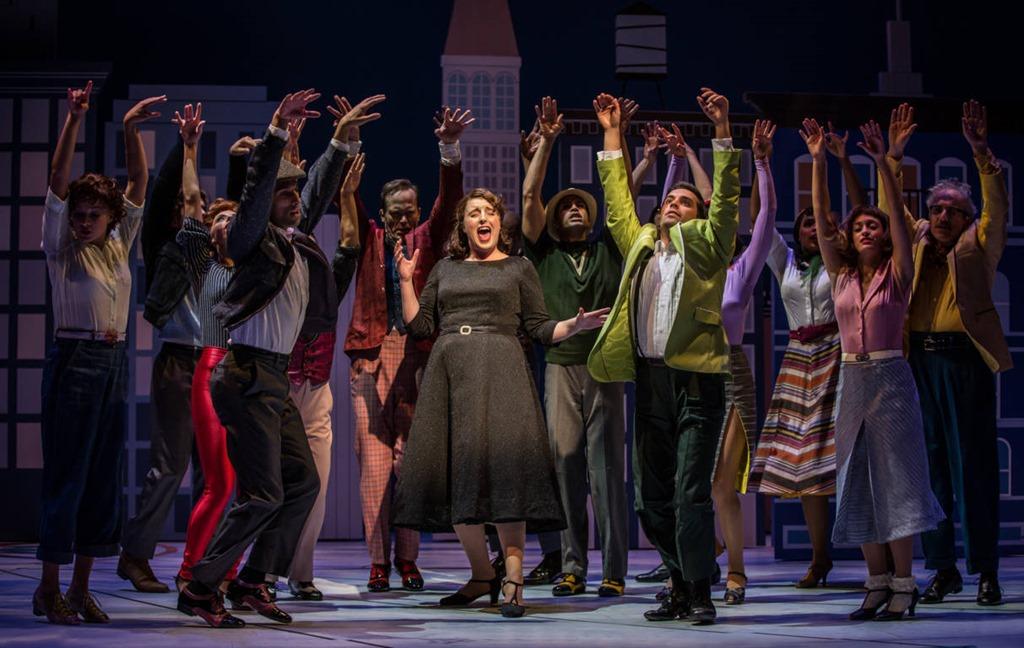 Bri-Sudia-as-Ruth-sing-Swing-in-Wonderful-Town-Goodman-Theatre.jpg