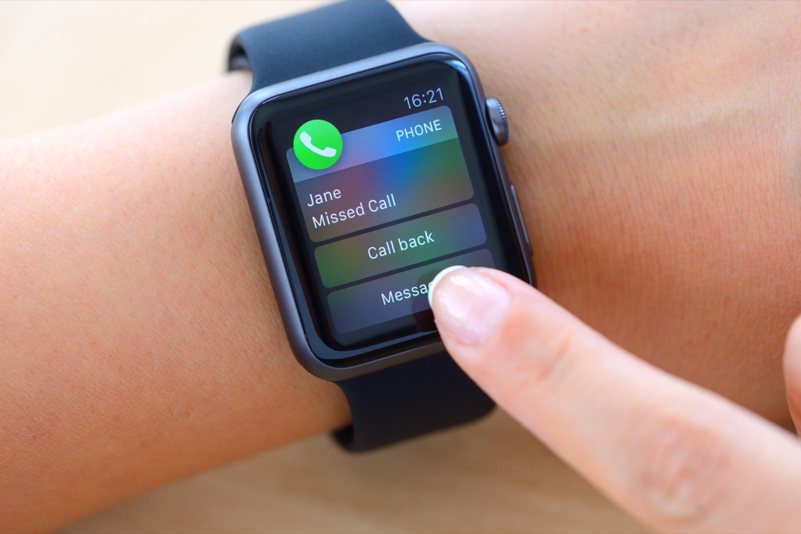 Missed-call-on-Apple-Watch-486165124_7360x4912 (2)_Web.jpeg