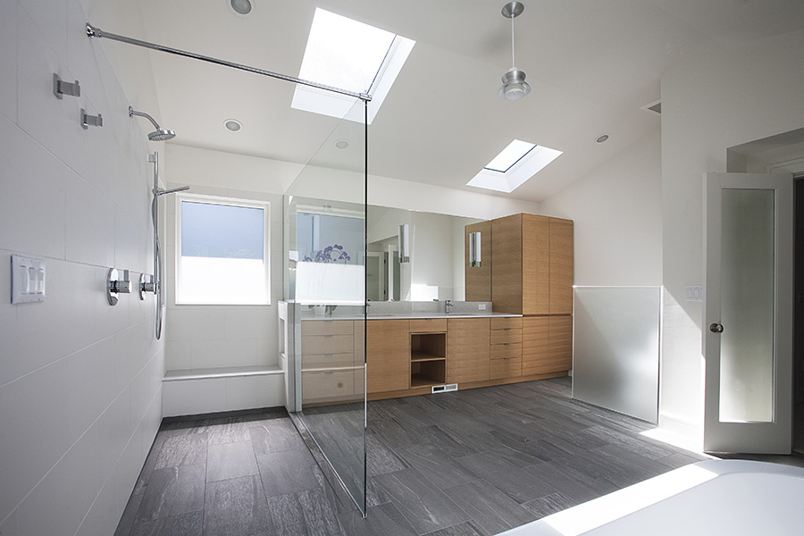 NW bathroom_900.jpg