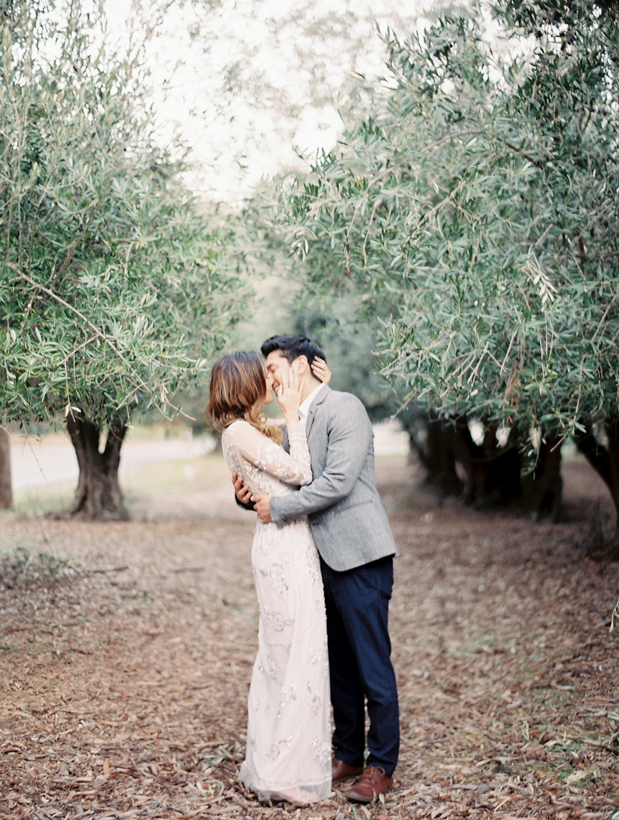 OliveFieldEngagementsessionbyCocoTran-5.jpg