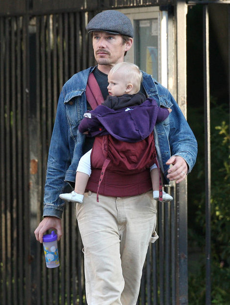 ethan-hawke-and-ergo-baby-carrier-gallery.jpg
