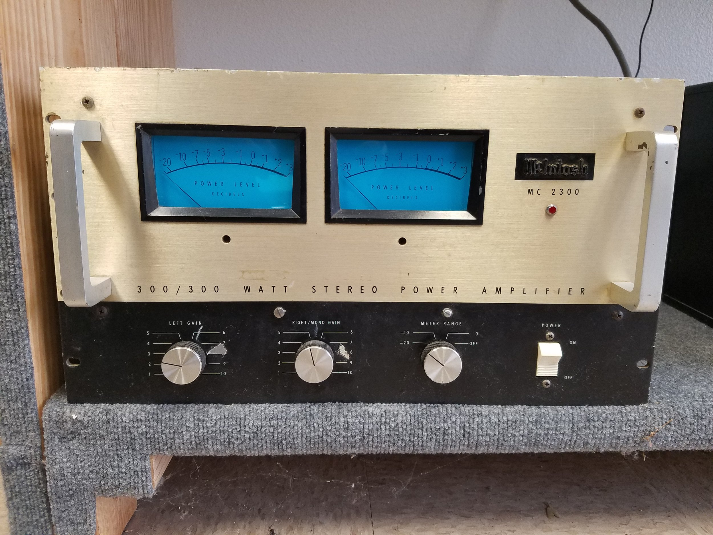 McIntosh amp - MC-2300 - 3850.00  Used  SPECIFICATIONS  Power output: 300 watts per channel into 8Ω (stereo), 600W into 8Ω (mono) Frequency response: 20Hz to 20kHz Total harmonic distortion: 0.25% Damping factor: 14 Input sensitivity: 0.5V Signal to noise ratio: 90dB Speaker load impedance: 0.5Ω to 16Ω Semiconductors: 46 x transistors, 22 x diodes Dimensions: 483 x 267 x 430mm Weight: 58kg Finish: anodized gold and black with black enamel chassis